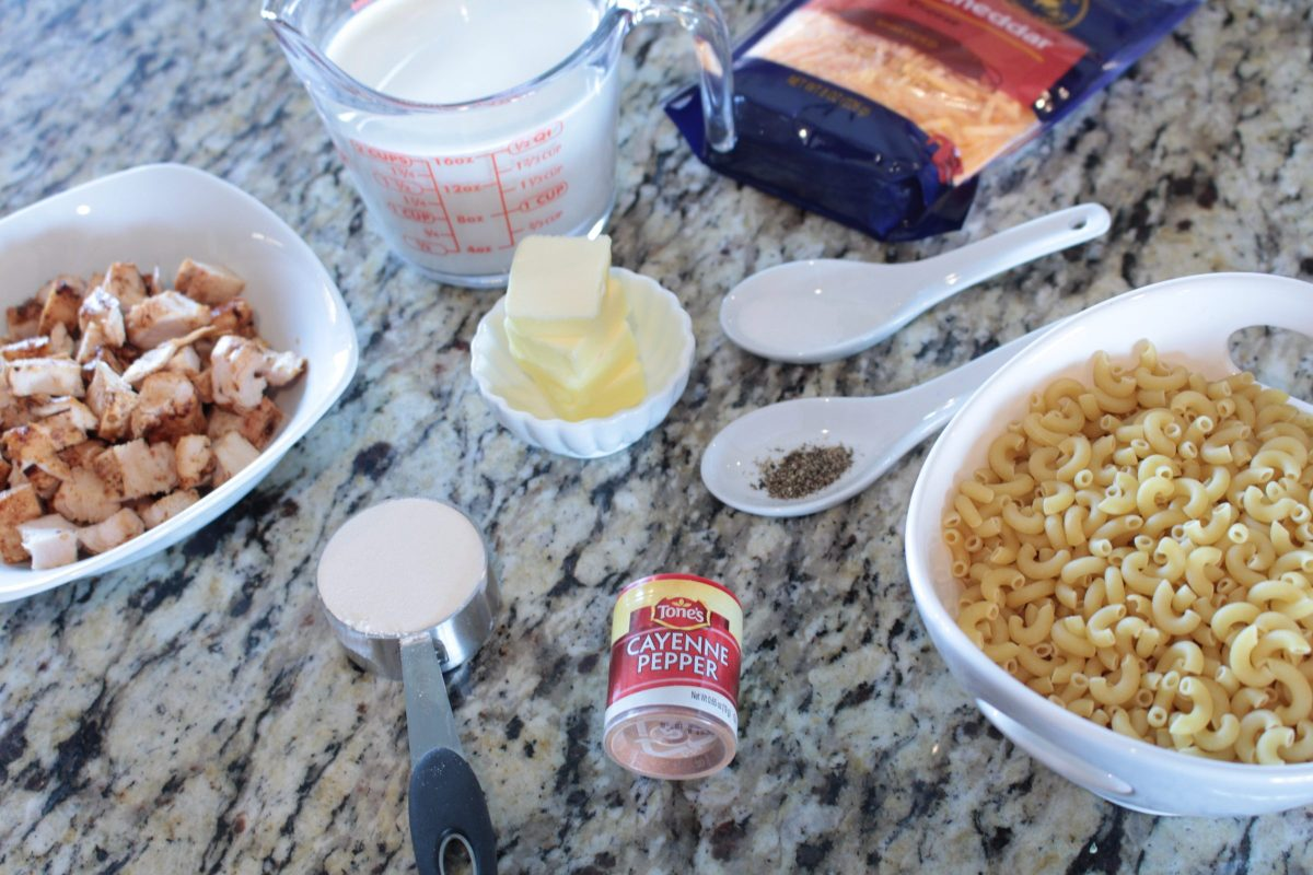 Only a few simple steps and ingredients and you can make your own mac and cheese!