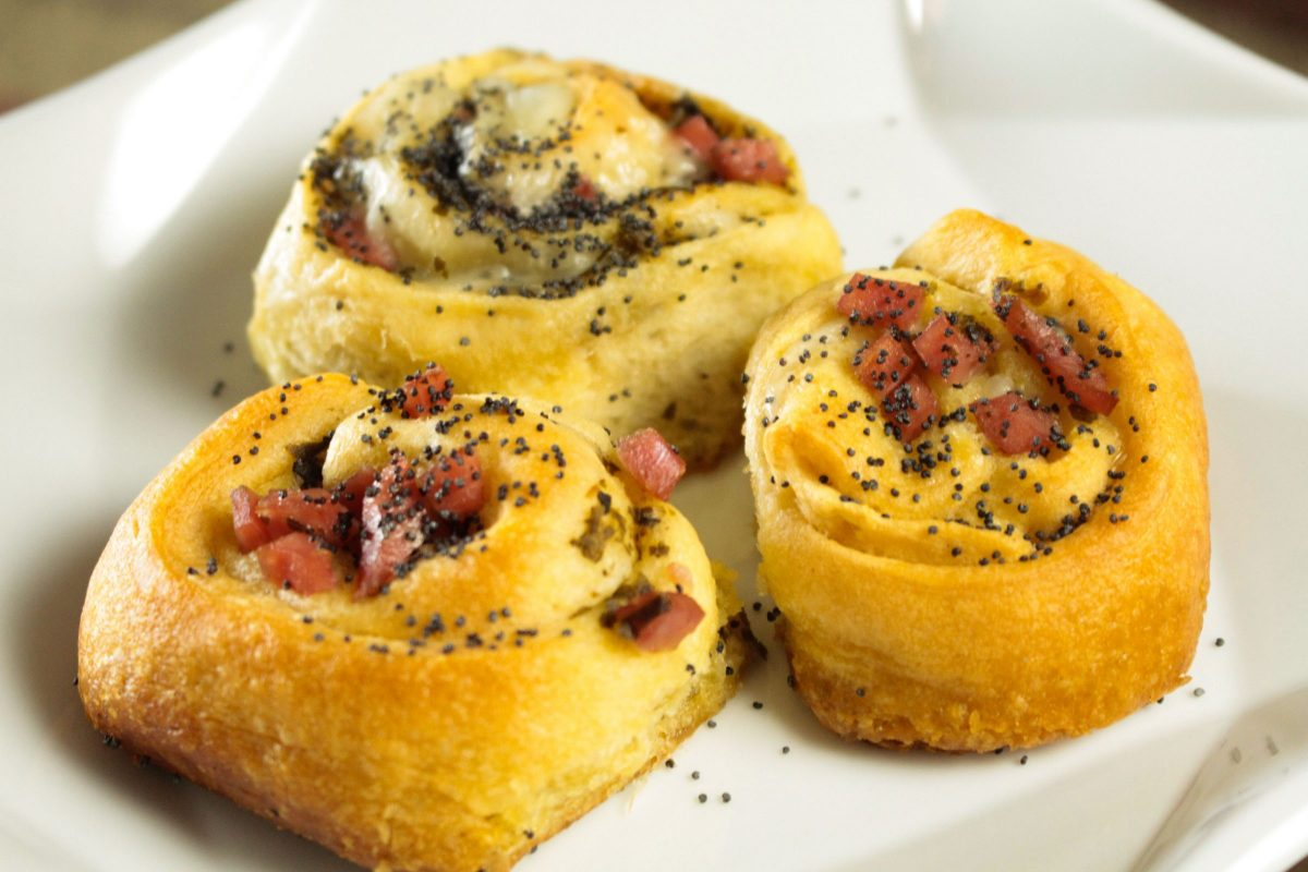 Pesto Ham and Cheese rolls are 25 short minutes away!
