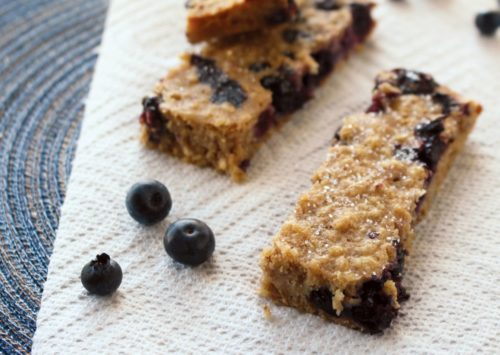 Whole Grain Blueberry Banana Breakfast Bars are a perfect addition to your breakfast menu! Easy to make, easy to store and easy to pack!