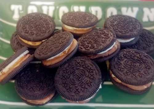 Sweet and Salty Oreos are an easy snack for any big game! Oreos, pretzels and Rolos are a winning combination!