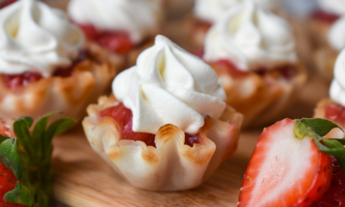 Strawberry dessert bites - EatWheat